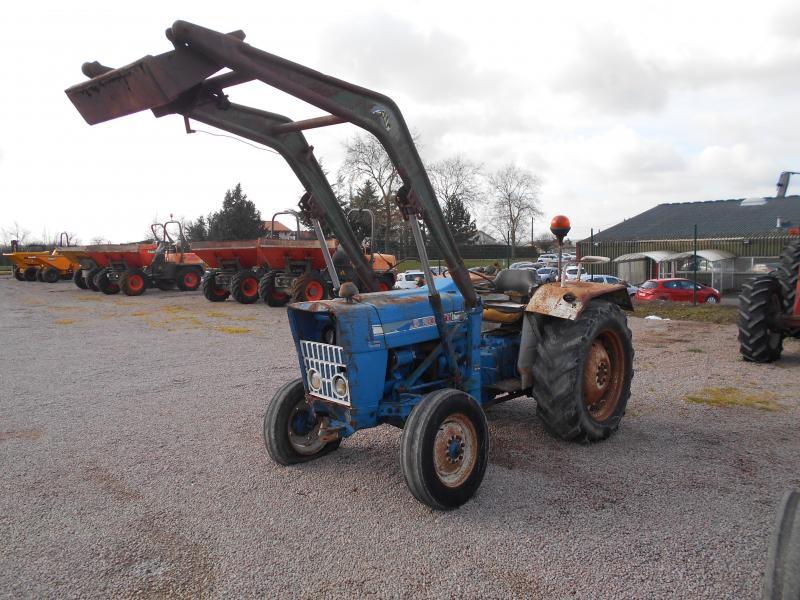 massey ferguson 275 tracteurs agripelle achats et ventes de mat riels agricoles tp. Black Bedroom Furniture Sets. Home Design Ideas